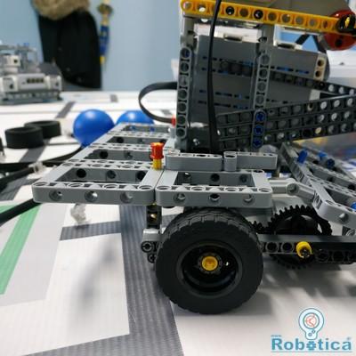 Όχημα που εντοπίζει μπάλες και τις μεταφέρει σε περιοχή προορισμού, IMG_20200108_203959